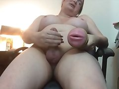 Watch Wendy's 2-Part Webcam Show. Twice the Jackin' Twice the Cummin'