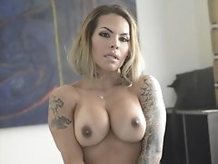 Foxxy is Begging For Your Throbbing Cock to Fuck Her Good in Bed