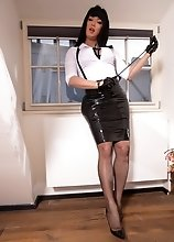 Be good to mistress Bianka and she will reward you with dick sucking and fucking